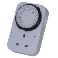 Basix Mechanical Plug-in Timer